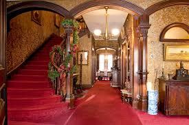 Victorian carpeted foyer idea in Boston