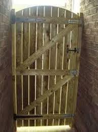 arch top sawn gate