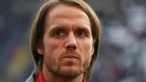<b>Thomas Schneider</b> beim VfB Stuttgart vor dem Aus - kommt Thorsten Fink? - bleibt-vorerst-trainer-beim-vfb-stuttgart-thomas-schneider-