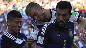 Schiedsrichter rizzoli berichtet nun, wie benommen der deutsche danach war: Besserer Schutz Fur Christoph Kramer Argentinien Deutschland 0 1 N V Fifa Wm 2014 Youtube