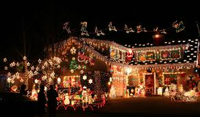 Small Picture 11 Of The Craziest Christmas Decorated Homes That Are Definitely
