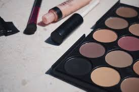 whether you are a makeup beginner or a simple makeup look lover this post will surely help you out understanding what is really necessary to achieve a