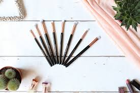 spectrum brushes marble. this 8 piece set is the newest addition to spectrum\u0027s \u0027you look marbelous\u0027 marble inspired collection. has super soft bristled brushes. spectrum brushes