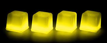 Dekorationszubehör 4er Set Knick Eiswürfel Einweg Leuchtend Gelb Led