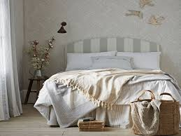 Modern Country Bedroom Wallpaper Ideas For Master Bedroom Country Chic Bedroom Modern