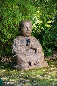 giant temple buddha large concrete statue garden