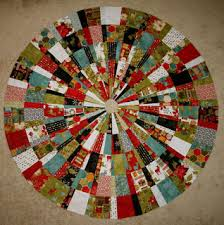 Quilt Inspiration: Free pattern day! Christmas Tree skirts &  Adamdwight.com