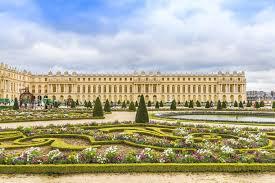 Château hôtel, maison d'hôtes de charme, un peu les deux car nous recevons nos hôtes en amis. Schloss Versailles
