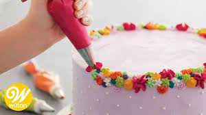 Left Handed Cake And Cupcake Decorating Wilton Youtube