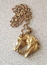 9ct gold belcher chain horse pendant