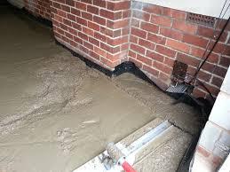 garagefloor laying concrete slab floating