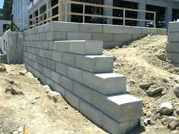 how to build a concrete block retaining wall cinder block retaining wall concrete retaining wall blocks