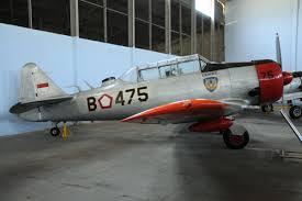 An Ii B B Noorduyn Harvard Iib B 475 Indonesian Air Force Indonesian Air