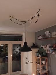 2 Industriële Emaille Lampen Aansluiten En Ophangen Boven Eettafel