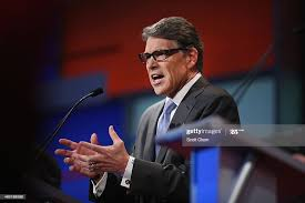 Rebulican presidential candidate Rick Perry fields a question during...  News Photo - Getty Images