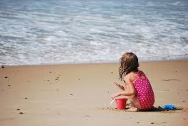 File Child Playing In The Sand At Misquamicut Beach Jpg