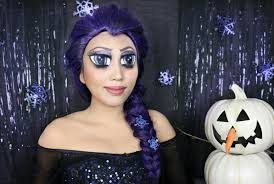 a tutorial showing how to make anime big eyes using makeup to look like elsa from frozen