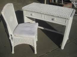 White Wicker Bedroom Chair Emejing Wicker Bedroom Sets For White ...