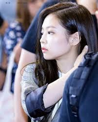 Yg entertainment, an entertainment company established by yang hyun suk, of the popular korean act s. Pin Oleh Luis Gazelle Di Jennie Kim