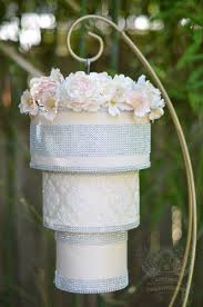 chandelier cake flowers