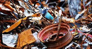 Місцева поліція запобігла крадіжці металобрухту з території колишніх складів ракетно-артилерійського оснащення у місті Сватове