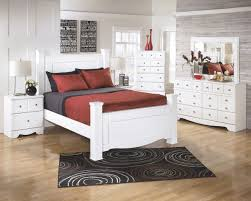 Ashley Furniture Weeki Poster Bedroom Set in White | New Home Furniture