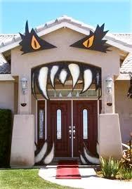 halloween front door decorationsHalloween Door Decor Ideas  landeelucom