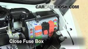 blown fuse check 2012 2016 fiat 500 2012 fiat 500 c pop 1 4l 4 cyl 6 replace cover secure the cover and test component
