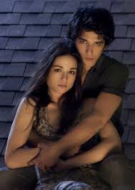 wolf s hot new couple keeps us