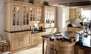 oak kitchen castellated cornice