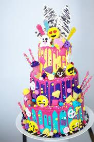 16 Awesome Emoji Cake Ideas Pretty My Party Party Ideas