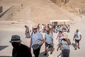 the controversial afterlife of king tut history smithsonian the tomb of king tutankhamun discovered by howard carter in 1922 in the valley of the kings attracts tens of thousands of tourists a year