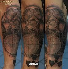 фото татуировки сталкер в стиле черно белые татуировки на руке