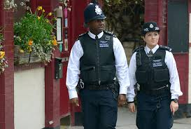 Znalezione obrazy dla zapytania police officer