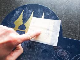 hand paint gold leaf lettering