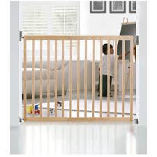 lindam extending wooden safety gate kiddicarecom