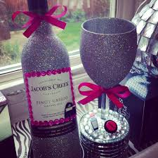 Decorating Wine Bottles With Glitter bd600a60f600f60c600e60bejpg 760×760 party Pinterest 2