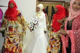 A Bride From Somalia Africa Wearing A Western Wedding Dress During Somali Wedding Dresses