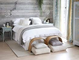 pallet wood wall whitewash. these walls are made out of free wood pallets!! pallet wall whitewash d