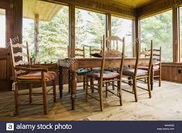 Esstisch Und Stühle Behandeltes Holz Dielen Inside Country Home