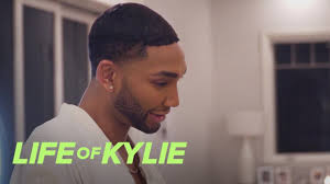 tokyo vents to victoria over kylie banning his life of kylie e