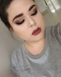 makeup for droopy eyelids