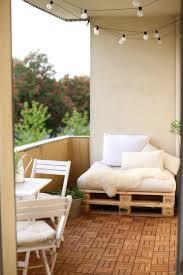 New Balcony | DIY | Ikea | Europaletten | for warm and cosy days | Runnen