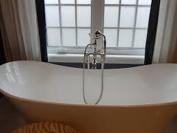 fiberglass bathtub removing