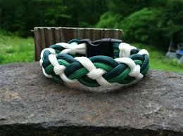 Celtic Bar Paracord Bracelet, Green and White by Uni Q Creations on Opensky