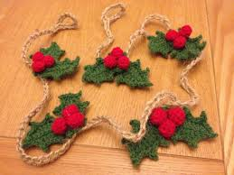 crochet christmas garlands and