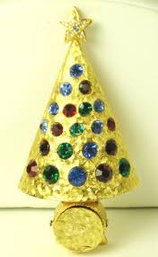 Christmas Brooches With Lights Hattie Carnegie Rhinestone Light Up Christmas Tree Pin