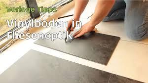 Vinylboden In Fliesenoptik Verlegen Parkett Wohnwelt Erklärt Wie Und