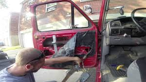 removing window motor on a ford f150 f350 1982 96 youtube power window harness at 92 F159 Power Window Switch Wiring Harness Block