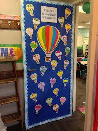 Inspirational Fall Door Decoration Ideas for Kindergarten